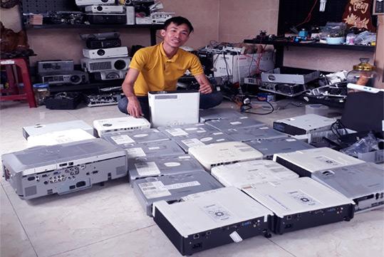 nhân máy chiếu dịch vụ sửa chữa cho thuê máy chiếu chuyên nghiệp đà nắng